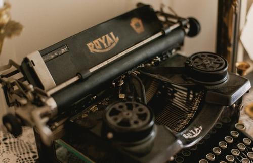 1138    Machine à écrire / Typewriter    1