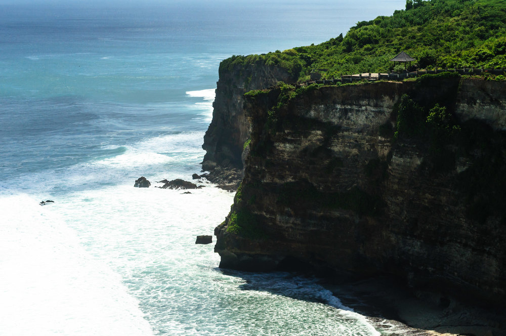 uluwatu-temple-cliff-2.jpg