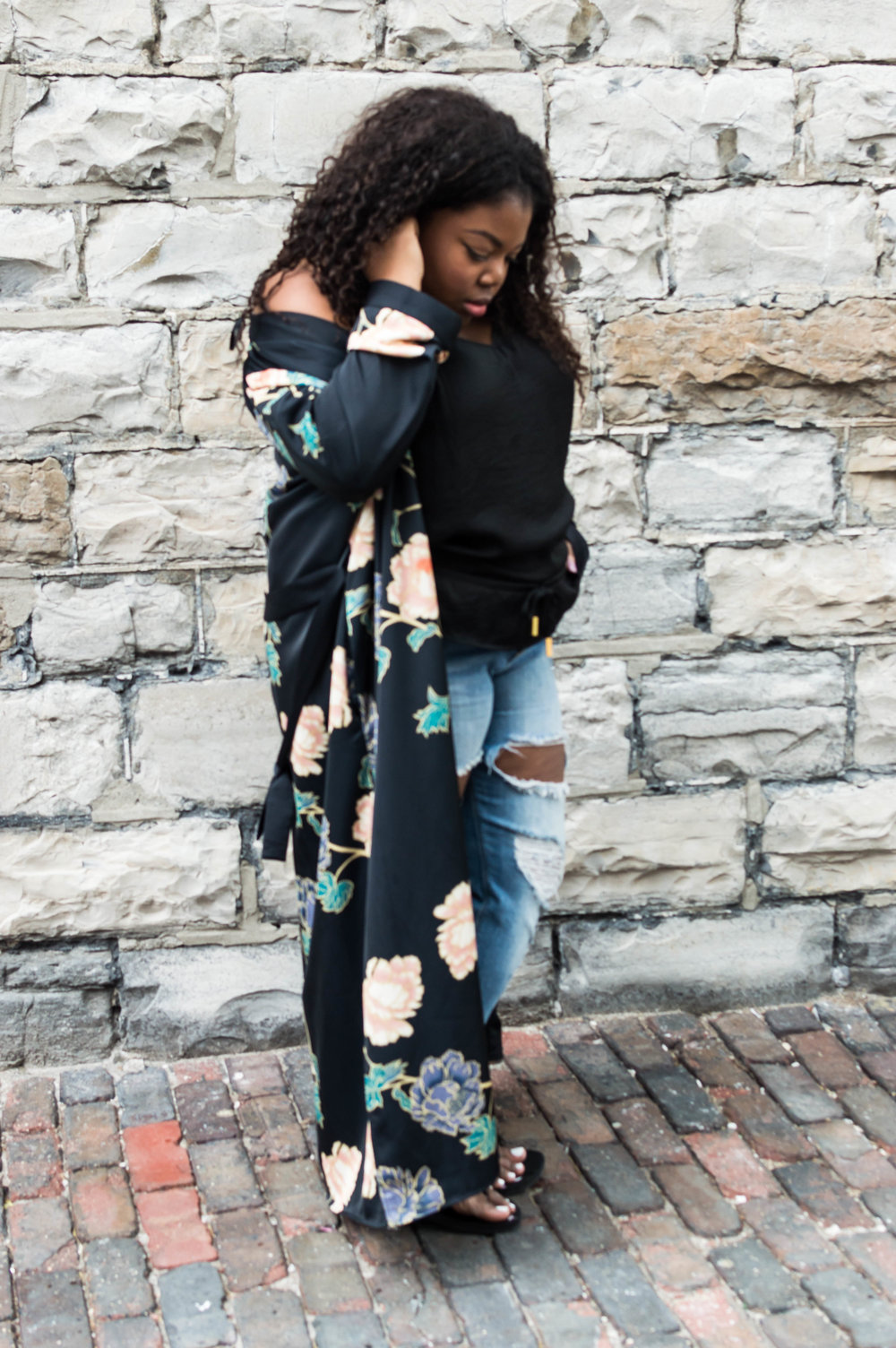 Flower Power - Kimono: H&M, Top: Finders, Jeans: Forever 21
