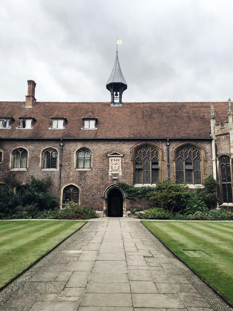cambridge-college-door