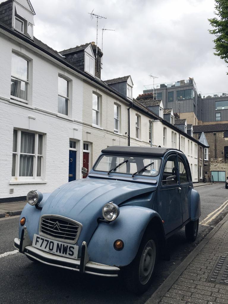 cambridge-blue-car