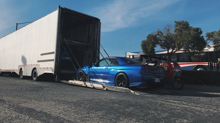 BNR34 Unloading.JPG