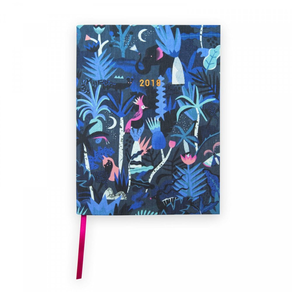 MIDNIGHT JUNGLE DIARY - Step into 2018 in style with this pocket sized diary! It's A6 in size and each week is spaced across a double spread. It also comes with a monthly calendar!Perfect for: - Those who love to plan!