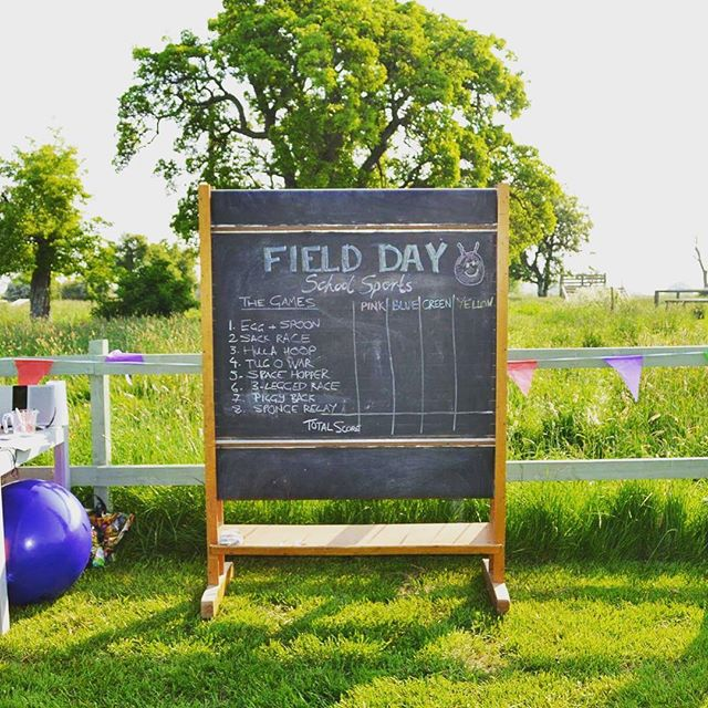 Old-school scoring system @fielddayerrol  #blackboard #schoolsports #spacehopper #havingafieldday #activehen #scottishhen #perthshirewedding #teambuilding