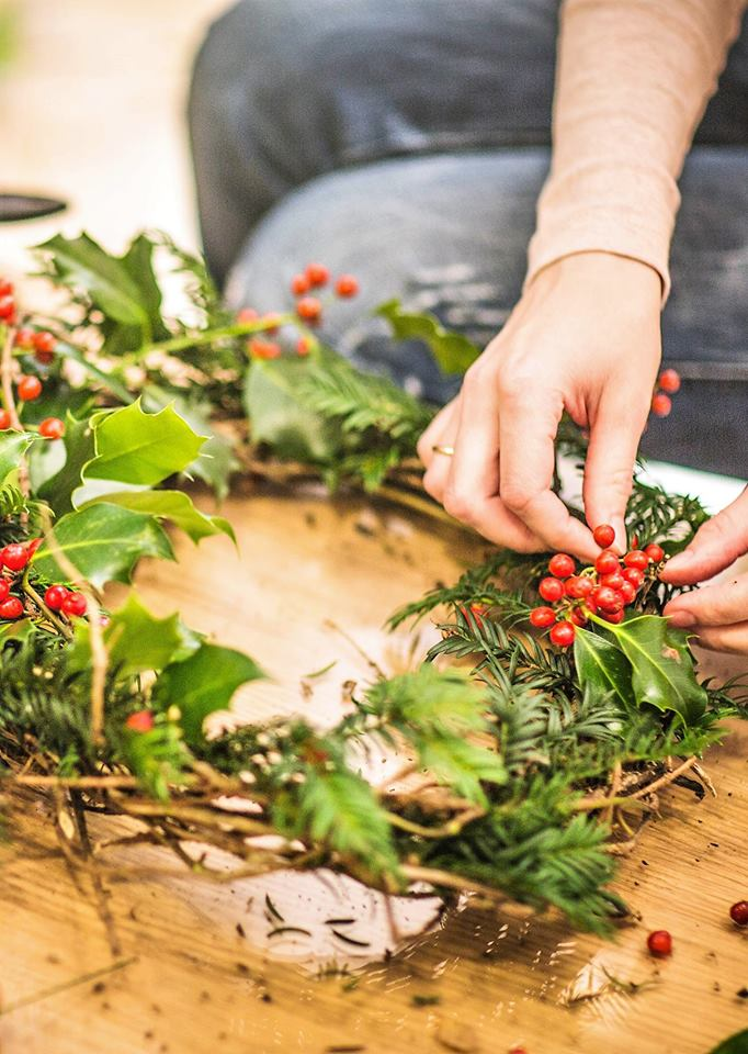 make your own christmas wreath thepaxtoncentrecouk