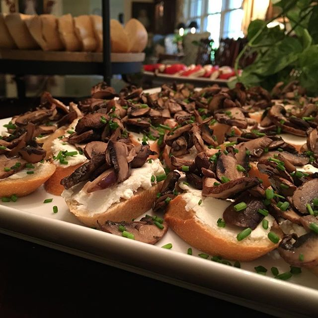 LUXE Catering Tallahassee Florida Mushroom Crostini