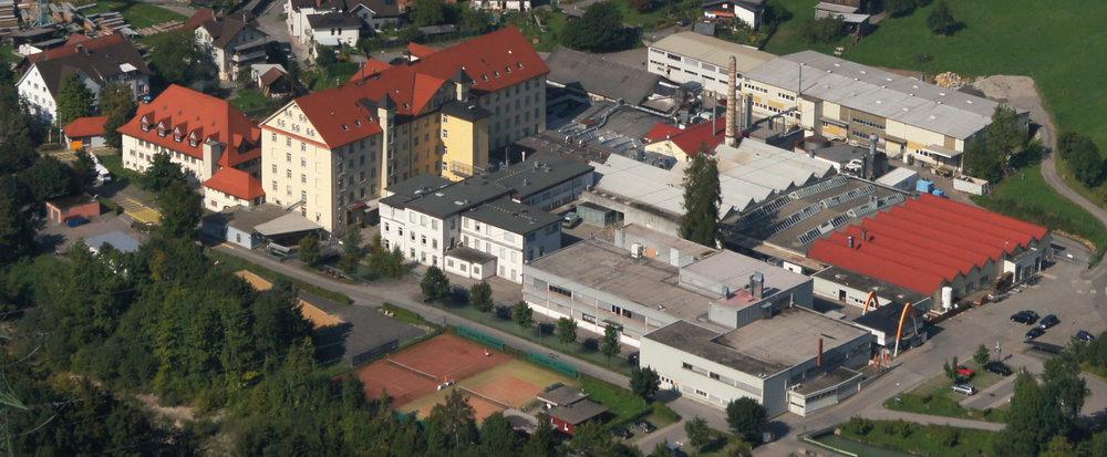5.500 m2 Lagerfläche    14.500 m2 Produktionsfläche    6.000 m2 Bürofläche