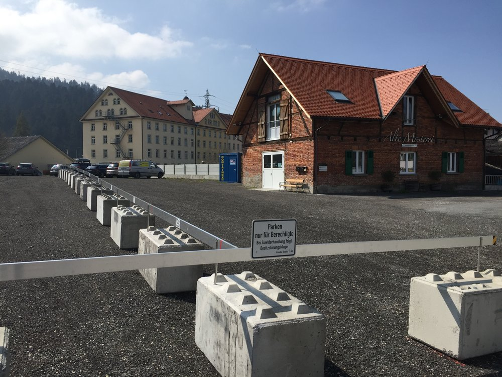 Adler Parkplatz