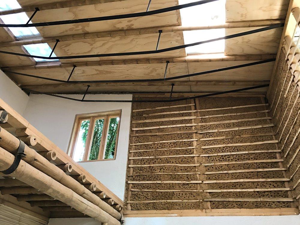 CABAÑAS DE BAMBÚ   México  Cliente: BAMBUTERRA  Obra: 2015  Diseño estructural de varios modelos de cabañas de bambú rollizo estructural para distintas zonas de México, con demandas de huracanas y/o sismos de gran intensidad.