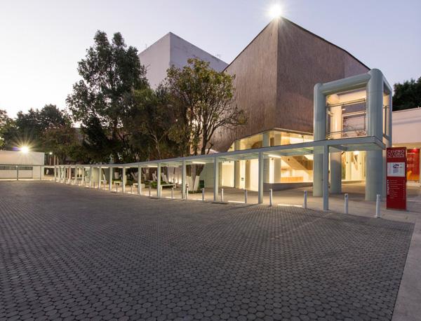 CENTRO CULTURA EL BOSQUE   Ciudad de México  Cliente: Arquitectura 911  Obra: 2012  Sistema de cubiertas de acero estructural, con detalles de conexiones ajustados a un diseño arquitectonico exigente. Cimentaciones a base de zapatas aisladas.