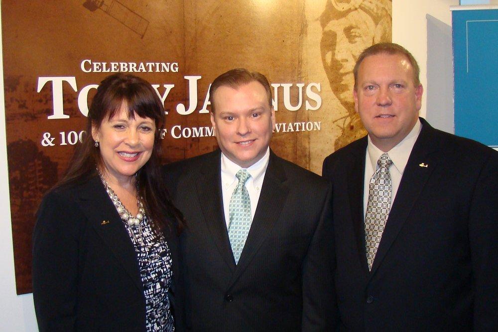 Alison Hoefler, Fernando Fondevila, & Bill McGrew after press conference - 1, 21 May '14.JPG