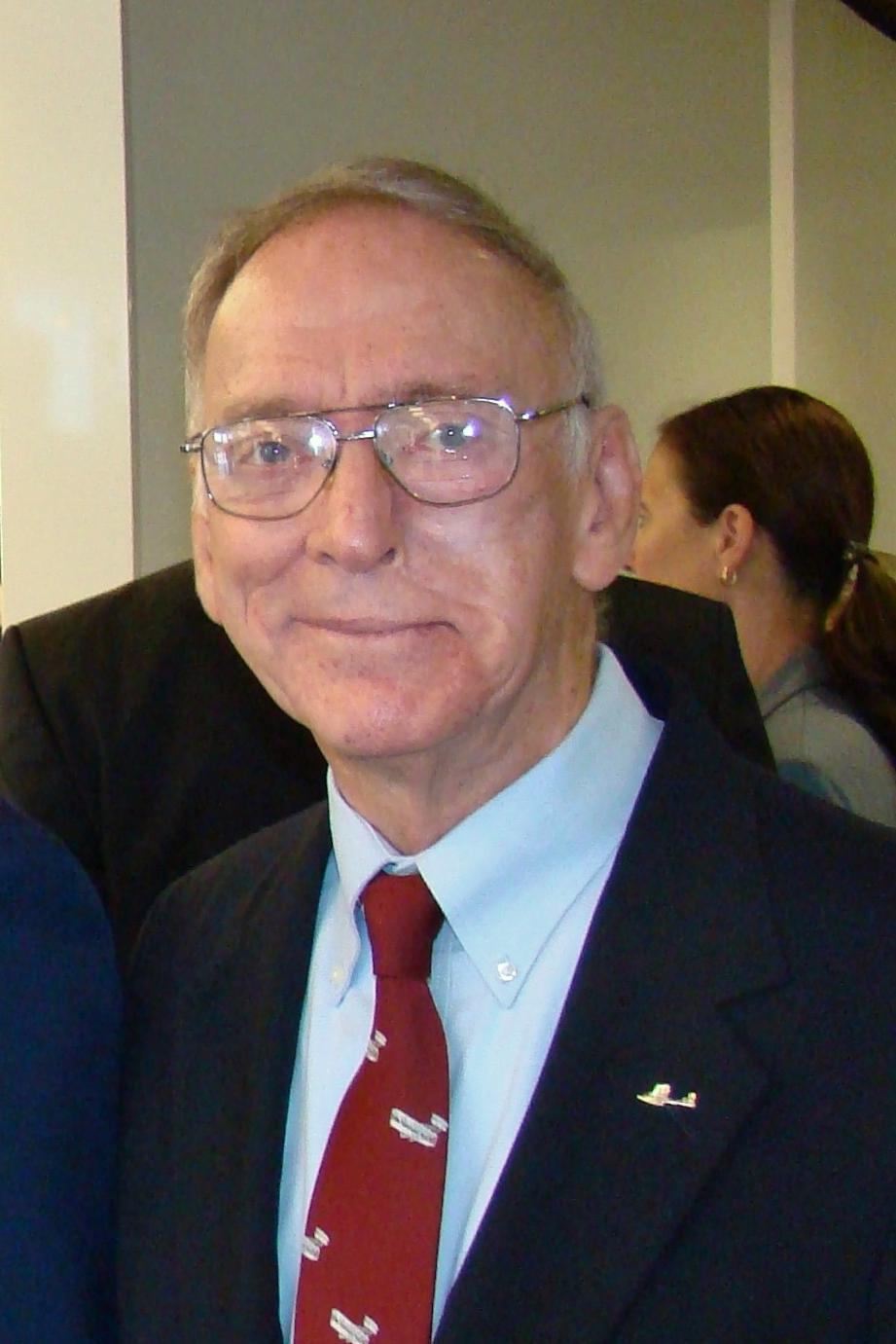 David McLay at Press Conference, 21  May '14.JPG