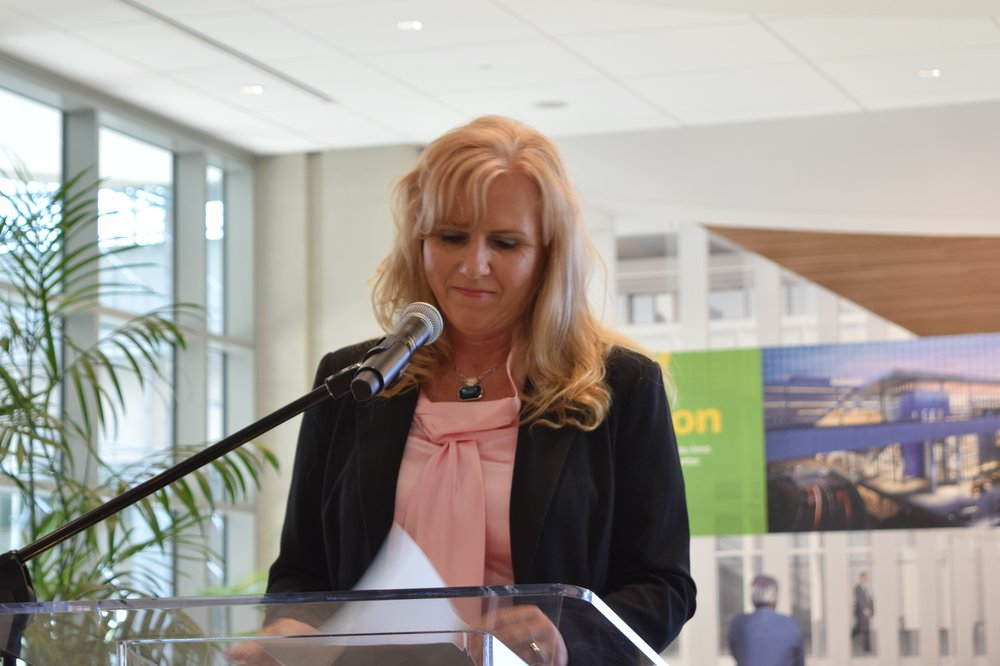 Jeannie Driscoll, American Airlines Managing Director of Southeast Region acknowledging 2017 Award - 2, 9 May '17.JPG
