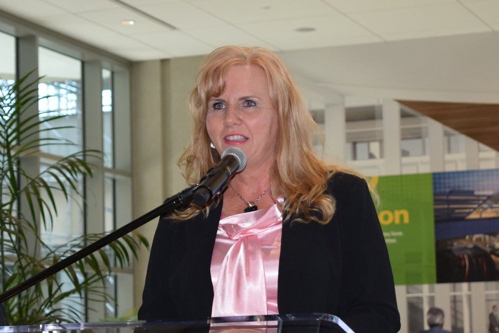 Jeannie Driscoll, American Airlines Managing Director of Southeast Region acknowolging 2017 Award - 1, 9 May '17.JPG