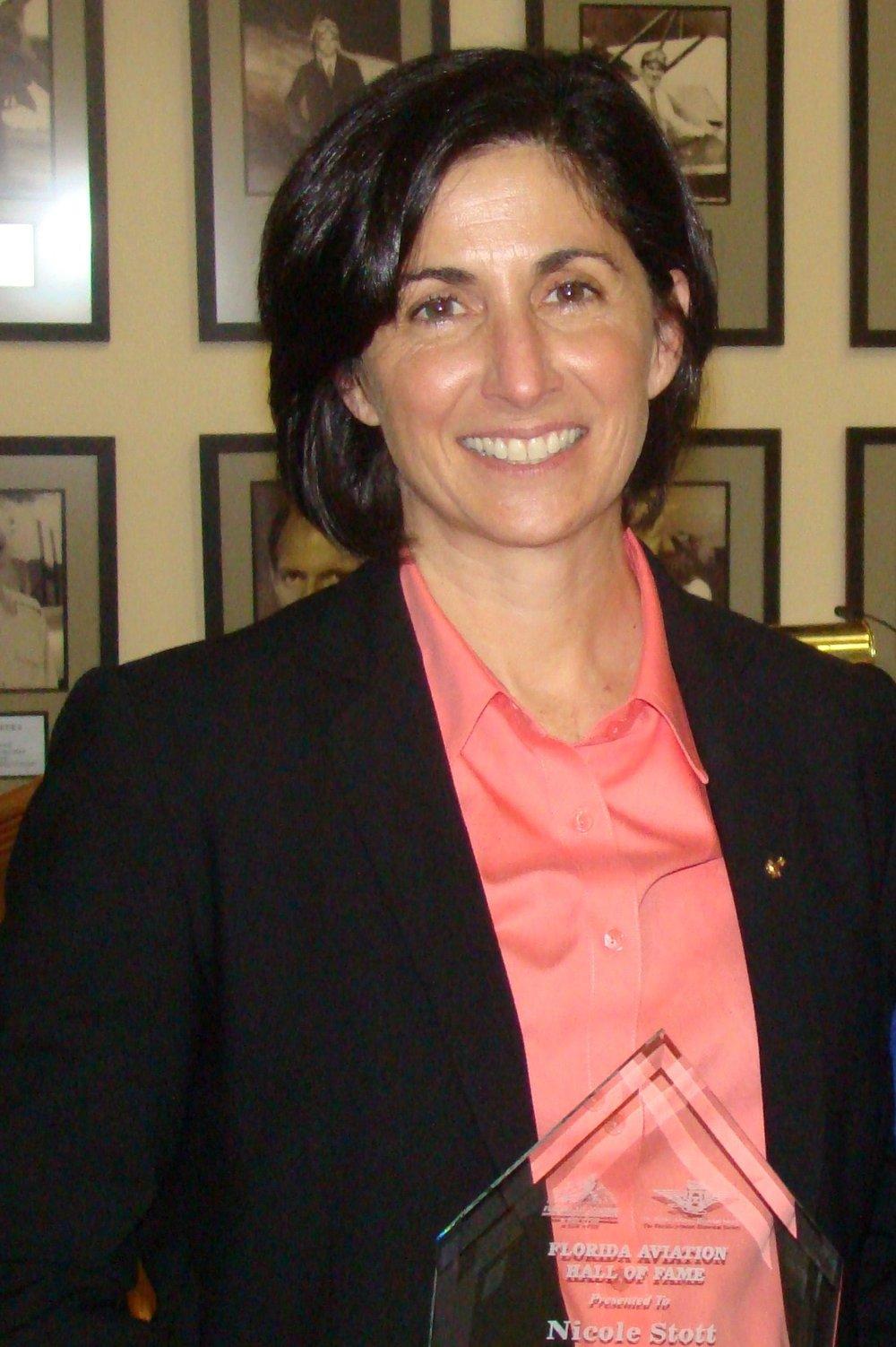 Nicole Stott, FAHOF Inductee, 28 Jan '12.JPG