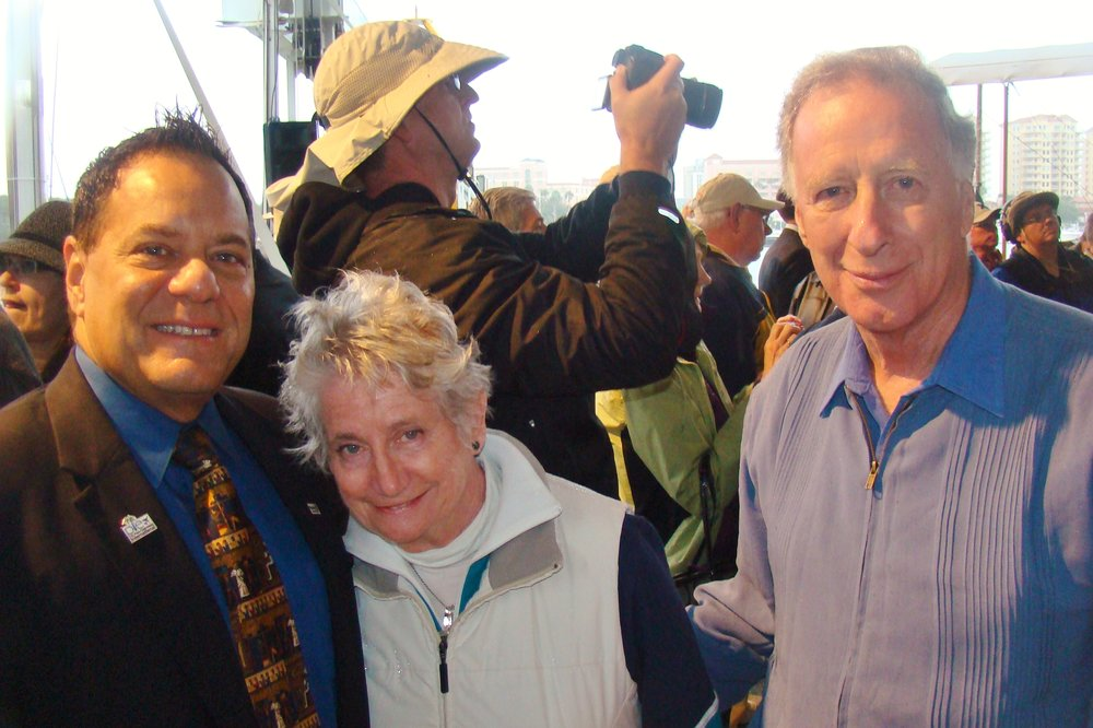Commissioner John Moronni , Pam & Colin Howgill - 2, 1 Jan '14.JPG