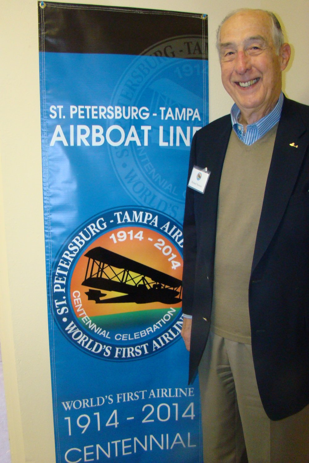 Dick Newton with Flight 2104 Centennial Pennant, 1 Jan '14.JPG