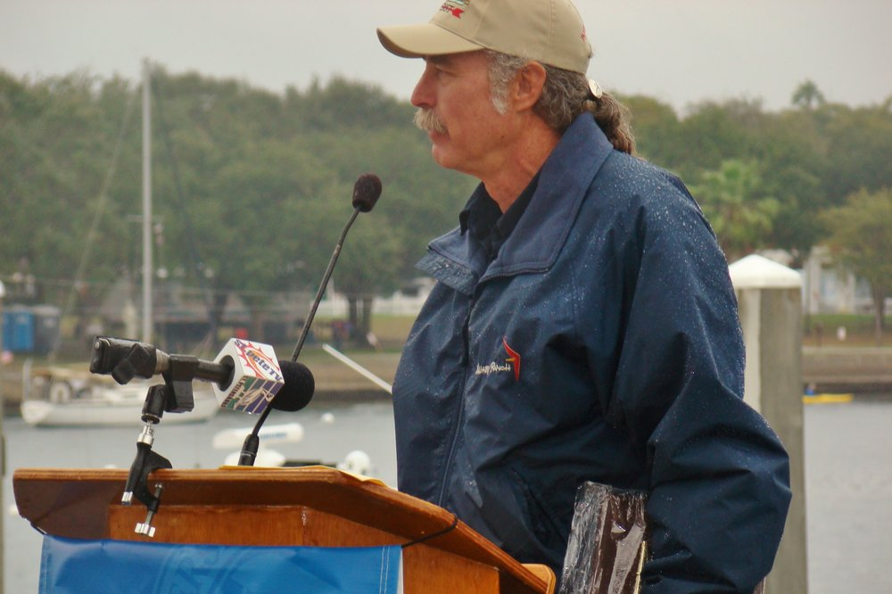 Kermit Weeks addressing Centennial Crowd in rain, 1 Jan '14.JPG