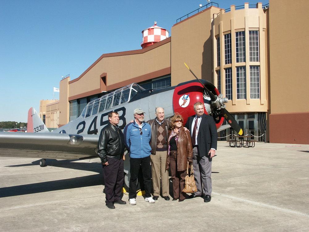Tanker Snyder, Kermit Weeks, me, Colleen Picard & John Dahl - 1, 6 Jan '10.jpg