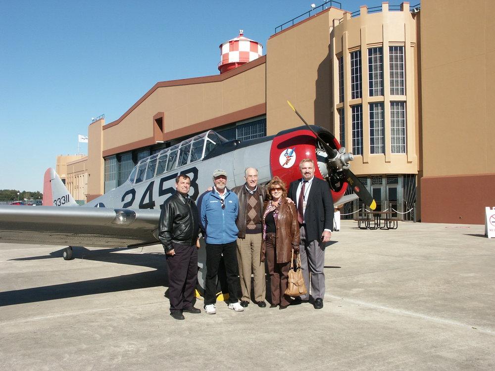 Tanker Snyder, Kermit Weeks, Me, Colleen Picard & John Dahl - 4, 6 Jan '10.jpg