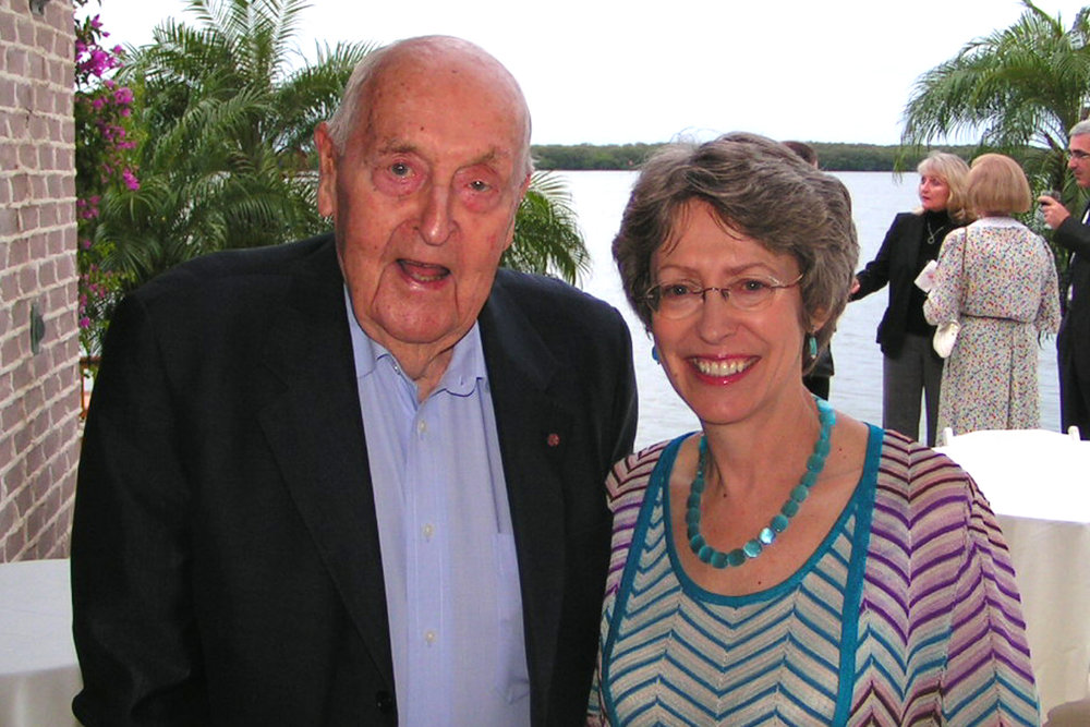 Sir C. Lennox Hewitt & Rt. Hon. Patricia Hewitt, M. P., @ VIP Reception, 24 Oct '07.jpg