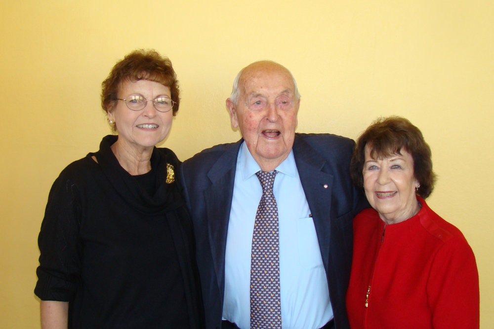 Sir Lennox Hewitt, Kim Michel & Ruth Newton, 30 Oct '08.jpg