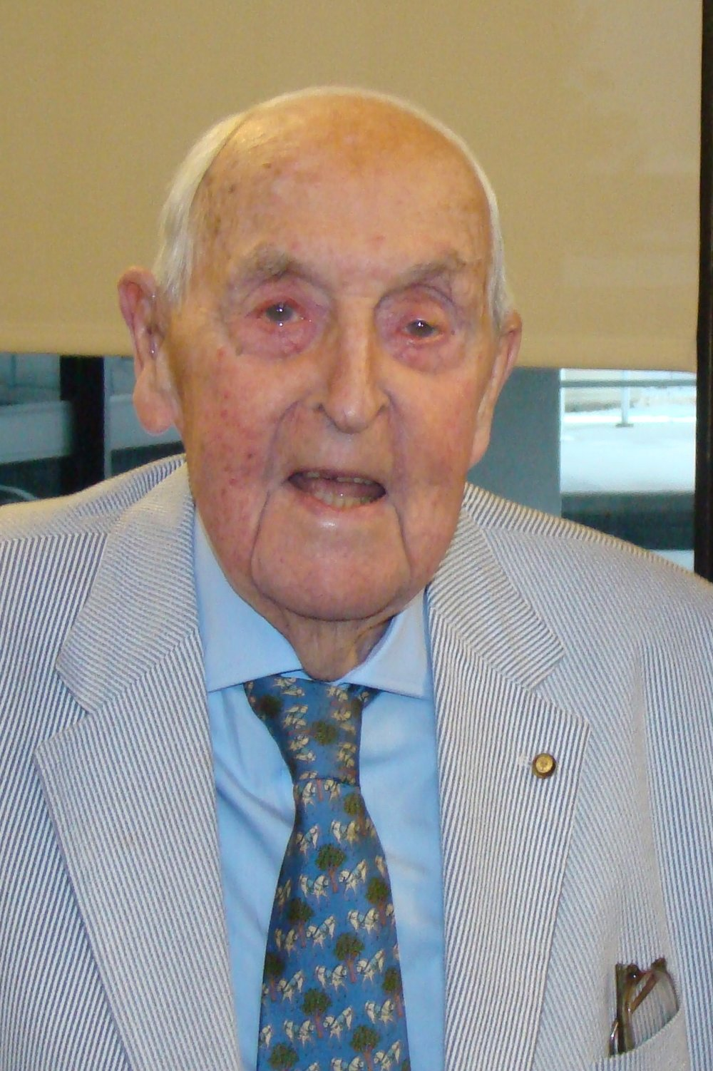 Sir Lenox Hewitt - 1, 15 Nov '13.JPG