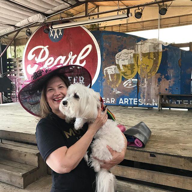 Winston and I had so much fun at #champagneandyoga this morning! #kellygartnerstyle #yoga #whybaptisteyoga #kidsyoga #cincodemayo #derby