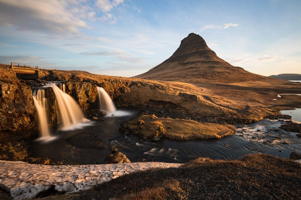 Iceland - The land of fire, ice & waterfalls
