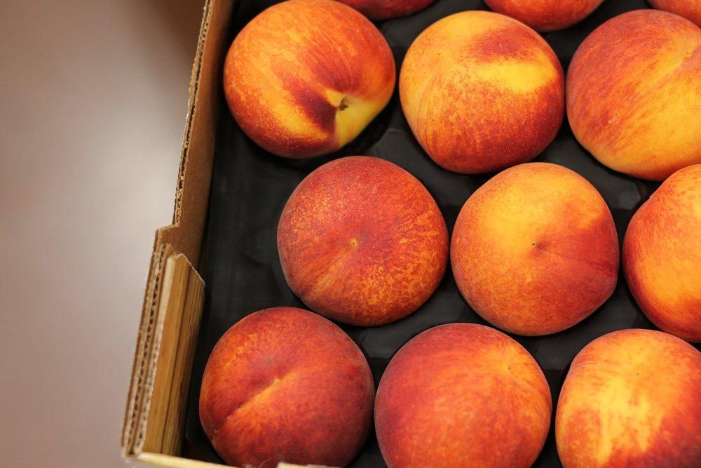 peach-2008647_1920.jpg