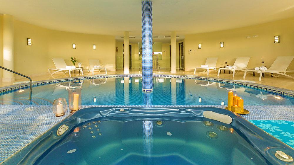 25 Indoor Pool.jpg