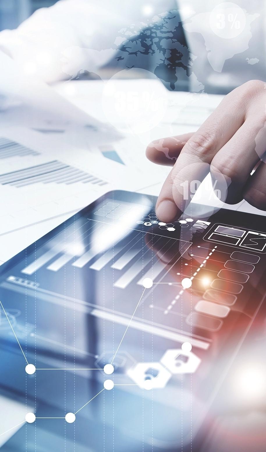 """eFashionGuide - eFashionGuide nutzt die Angebote im Internet (Web Shops) als Referenz für konkrete Aussage, welche Marken welche Waren und Artikel in welchen Warengruppen anbieten.Diese Wettbewerbsdaten stehen dem Nutzer auf Endgeräten wie Smartphone, Tablet oder PC zur Verfügung. Die Beantwortung von relevanten Fragen zur Gestaltung von erfolgreichen Sortimenten in der Damenmode ist in Sekunden verfügbar.eFashionGuide ist das erste digitale Sortiments-Management Programm, das den Markt abbildet und ist vergleichbar mit der Navigation im Auto.Natürlich ist auch die """"alte"""" Methode, sogenannte Storechecks weiterhin valide. Die digitale Methode von eFashionGuide ist aber um ein vielfaches schneller und übersichtlicher.Darüberhinaus sammelt eFashionGuide die Daten (z.B. Trendfarben) als Verlauf und kann somit Einwicklungen von Farben und Größen, aber auch Preisen und Preisentwicklungen darstellen.All dies hilft Marken-Managern schnellere, bessere und faktenorientierte Entscheidungen im Sortiments-Management zu treffen."""