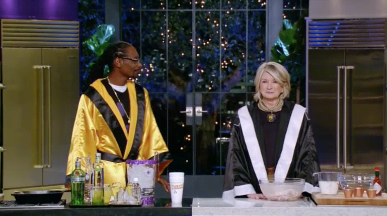 SNOOP & MARTHA'S POTLUCK DINNER PARTY