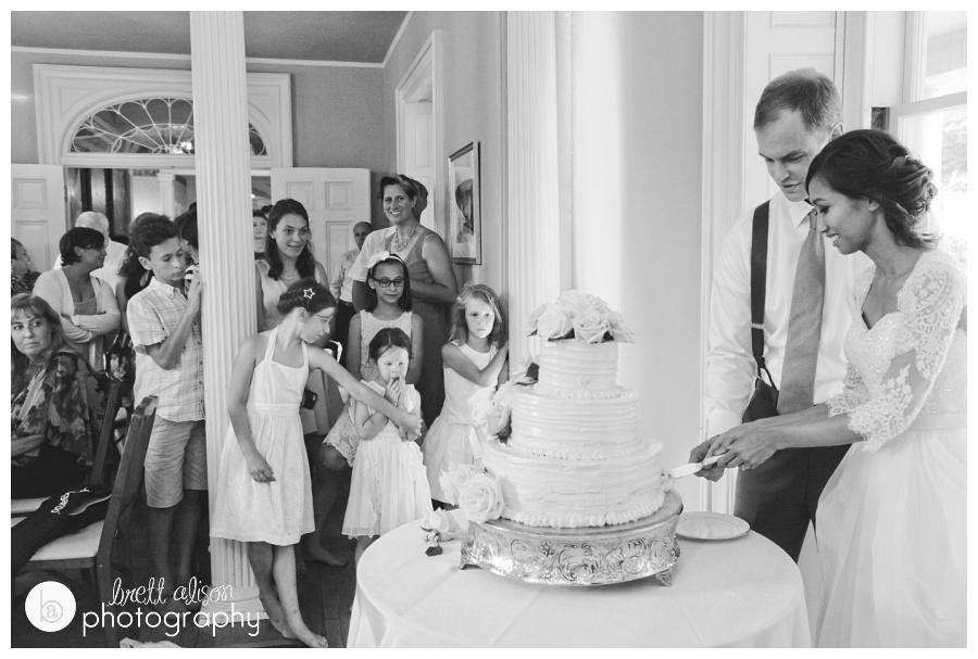 Kids and cake!