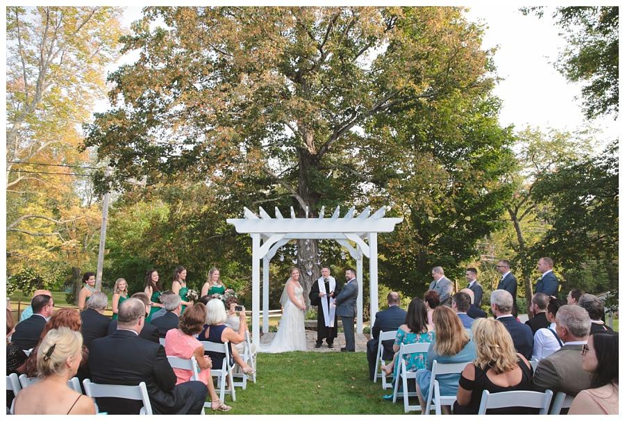 inn-pleasant-lake-wedding_0012.jpg