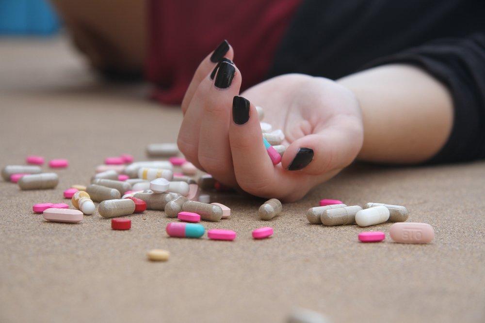 addiction-adult-capsule-271171.jpg