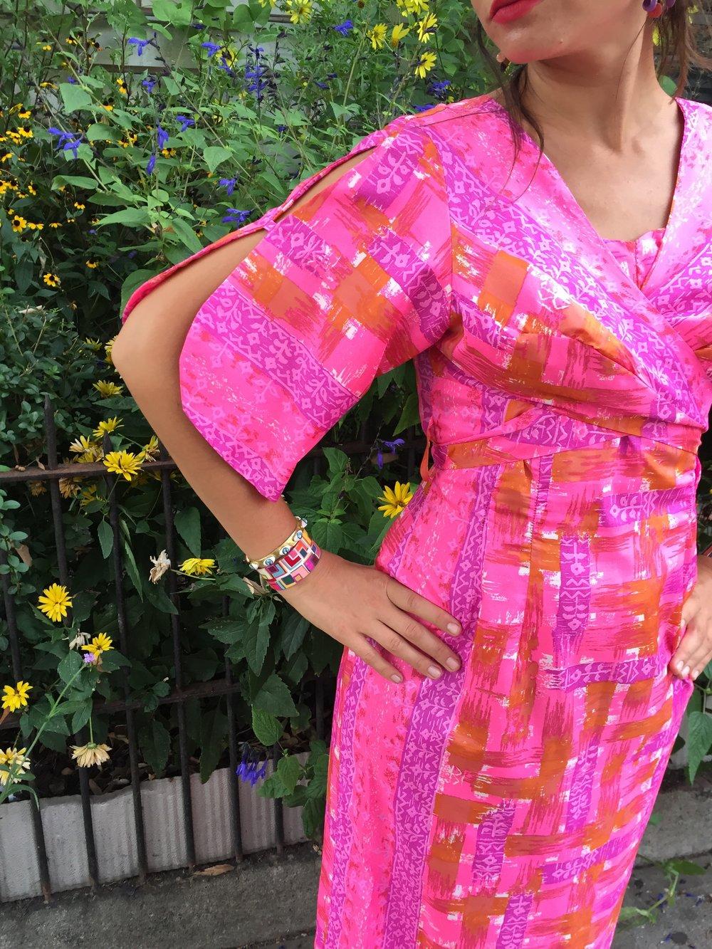 60s Penthouse Gallery NY maxi dress / pink abstract print kimono sleeve dress