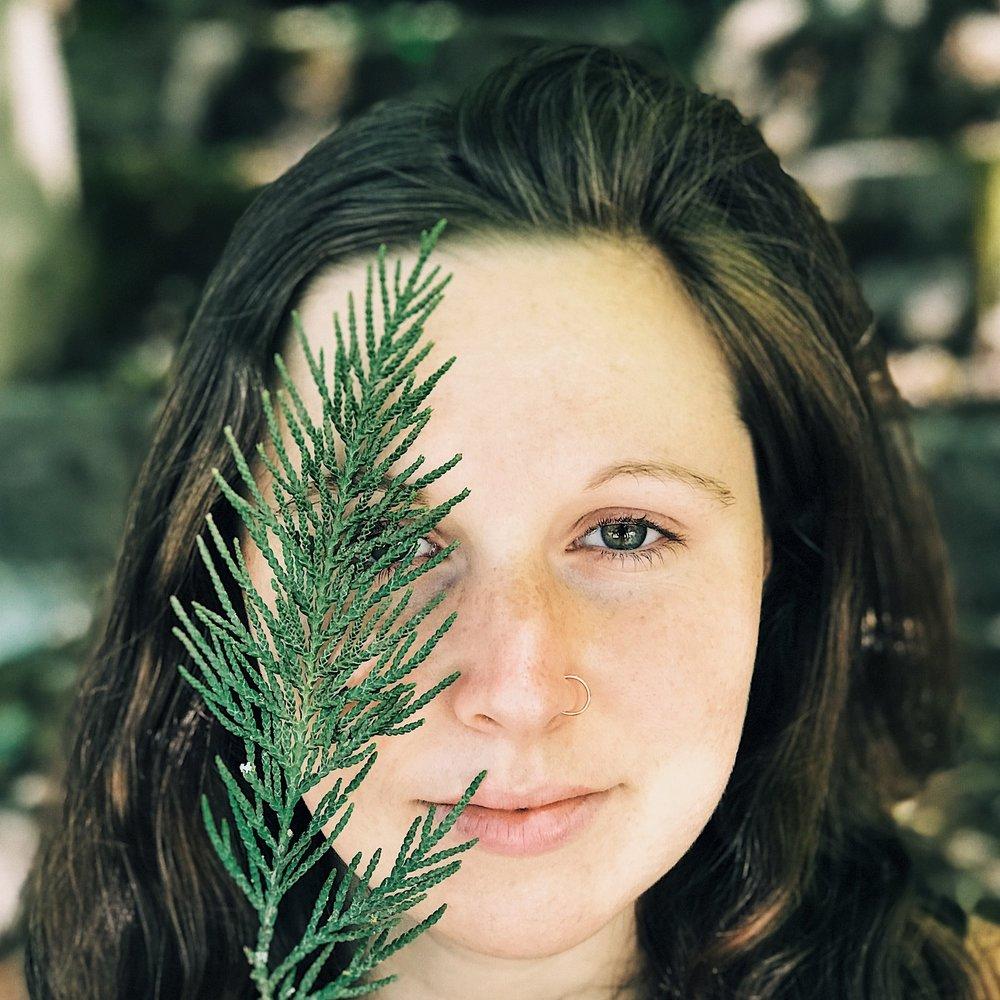 Pilar Lesko Hood River, Oregon & Los Angeles, CA   Virtual Sessions Available   Natal Chart Readings, Human Design Readings