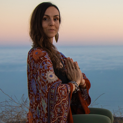 Tulsi Bagnoli   Los Angeles, CA   Vedic Astrology and Holistic Wellness Coaching, 4th generation Meditator, practicing yoga and meditation since the age of four