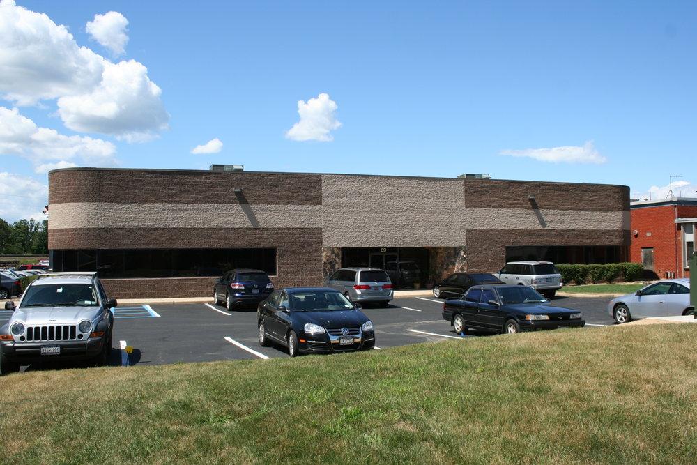 89 North Industry Court, Deer Park