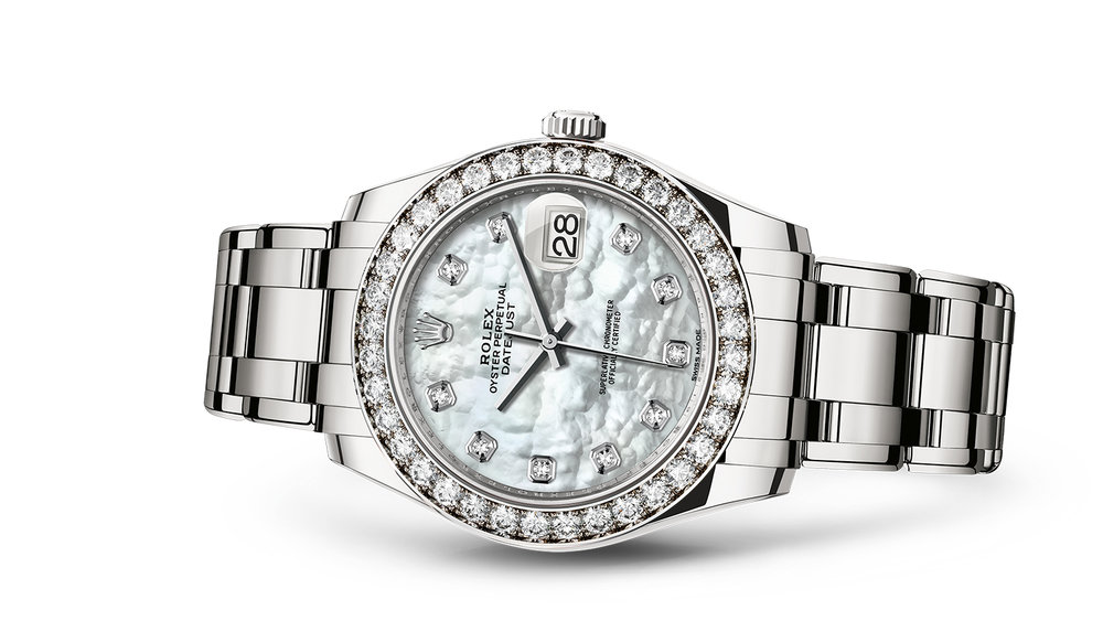 """PEARLMASTER 39<br><span class=""""watch-des"""">Oyster, 39 mm, white gold and diamonds</span>"""