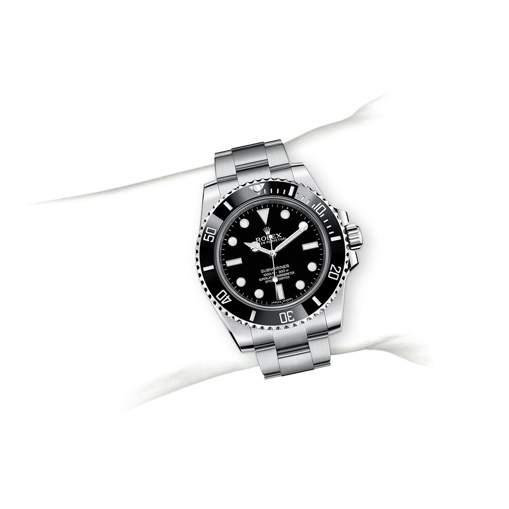 M114060-0002_watch-on-wrist.jpg