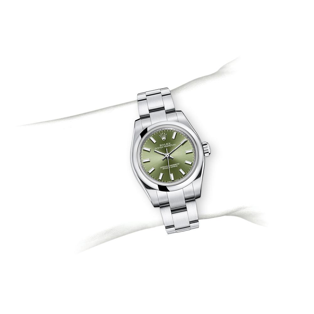 M116613LB-0005_watch-on-wrist.jpg