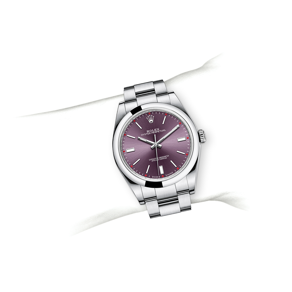 M114300-0002_watch-on-wrist.jpg