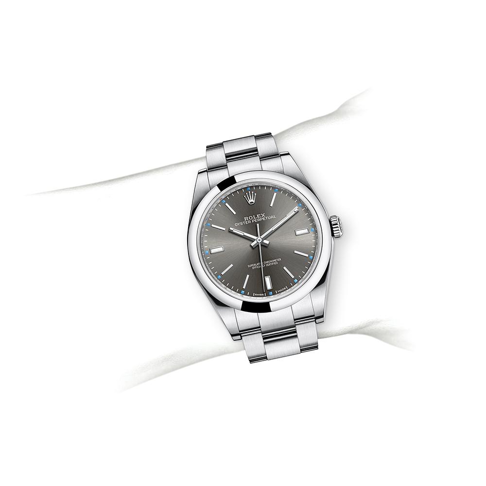 M114300-0001_watch-on-wrist.jpg