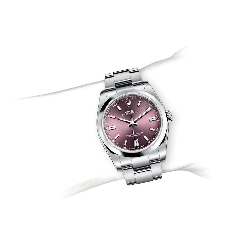 M116000-0010_watch-on-wrist.jpg