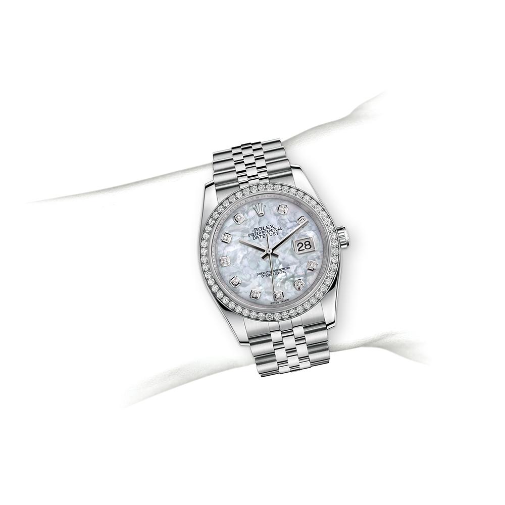 M116244-0011_watch-on-wrist.jpg