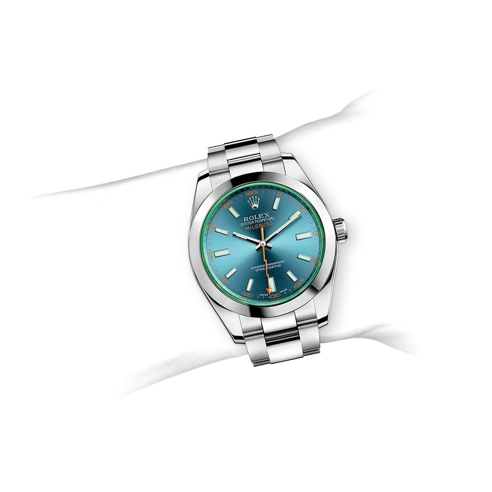 M116400GV-0002_watch-on-wrist.jpg