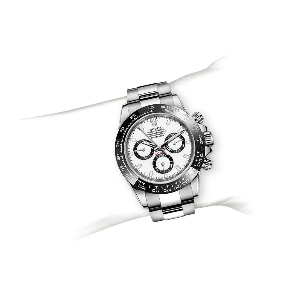 M116500LN-0001_watch-on-wrist.jpg