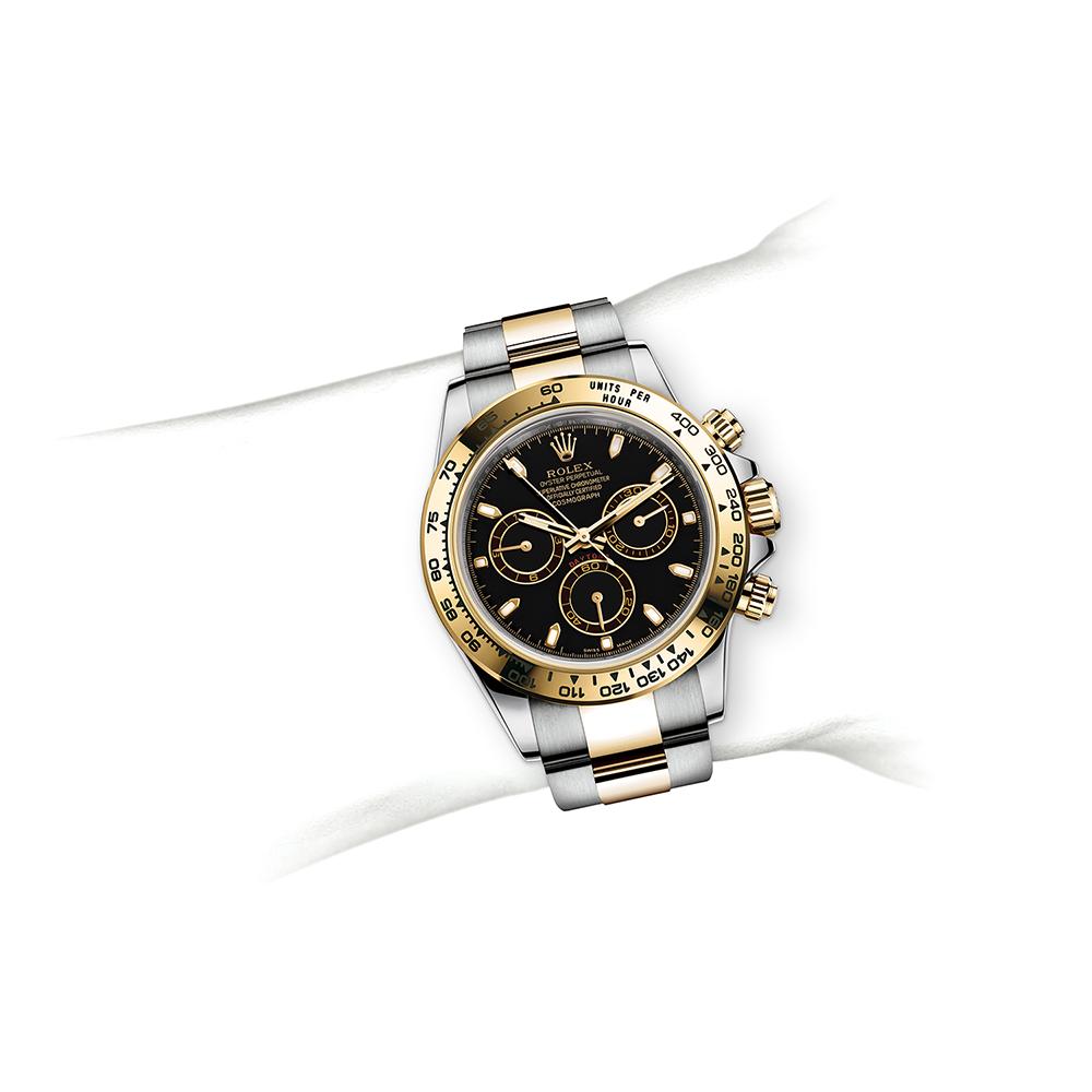 M116503-0004_watch-on-wrist.jpg
